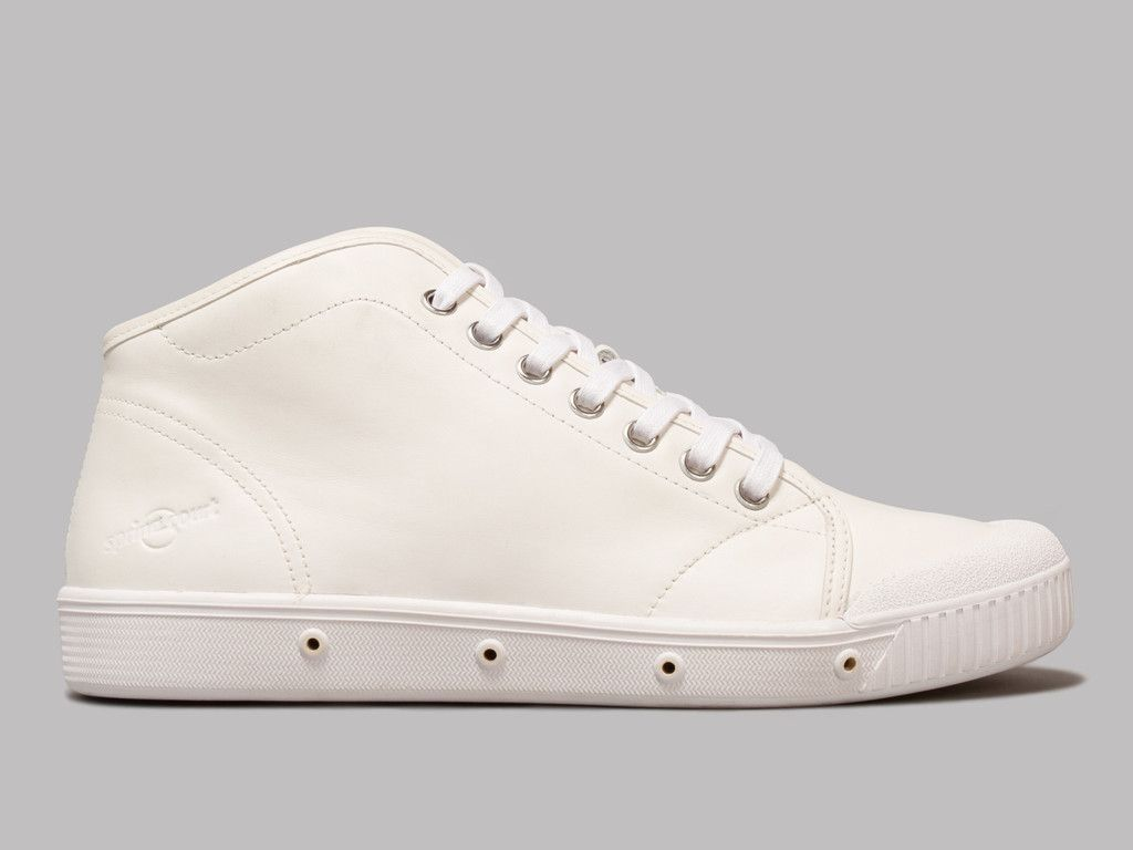 Spring Court B2 Classic Leather (Off White)
