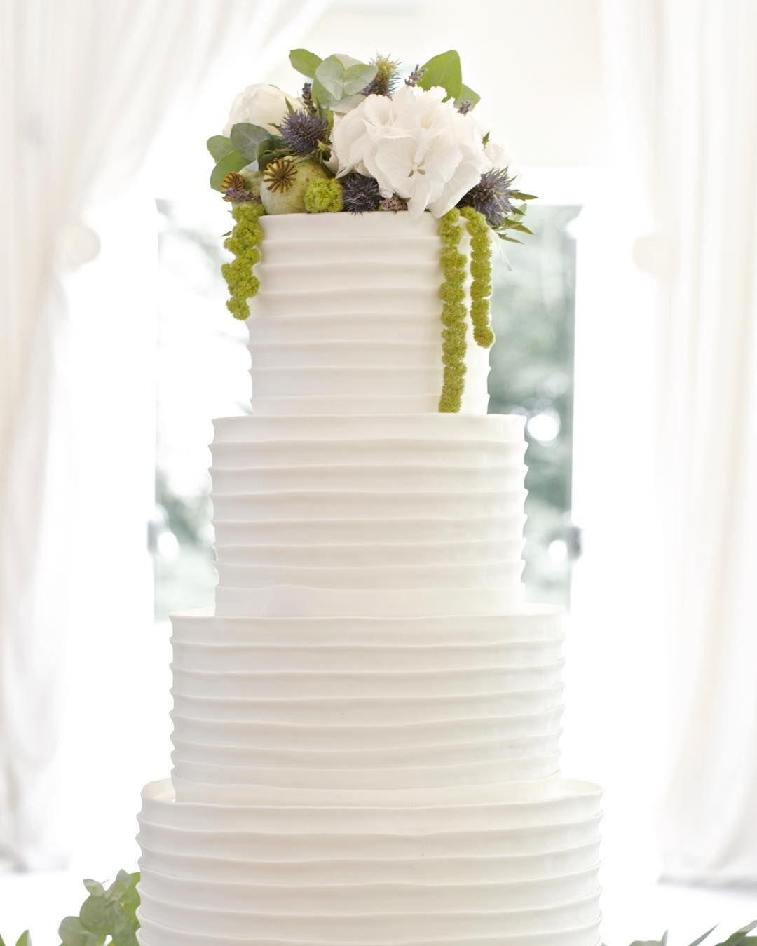 Fondant ridges each strip is individually placed on the wedding fondant ridges each strip is individually placed on the wedding cake contemporary finish with junglespirit Gallery