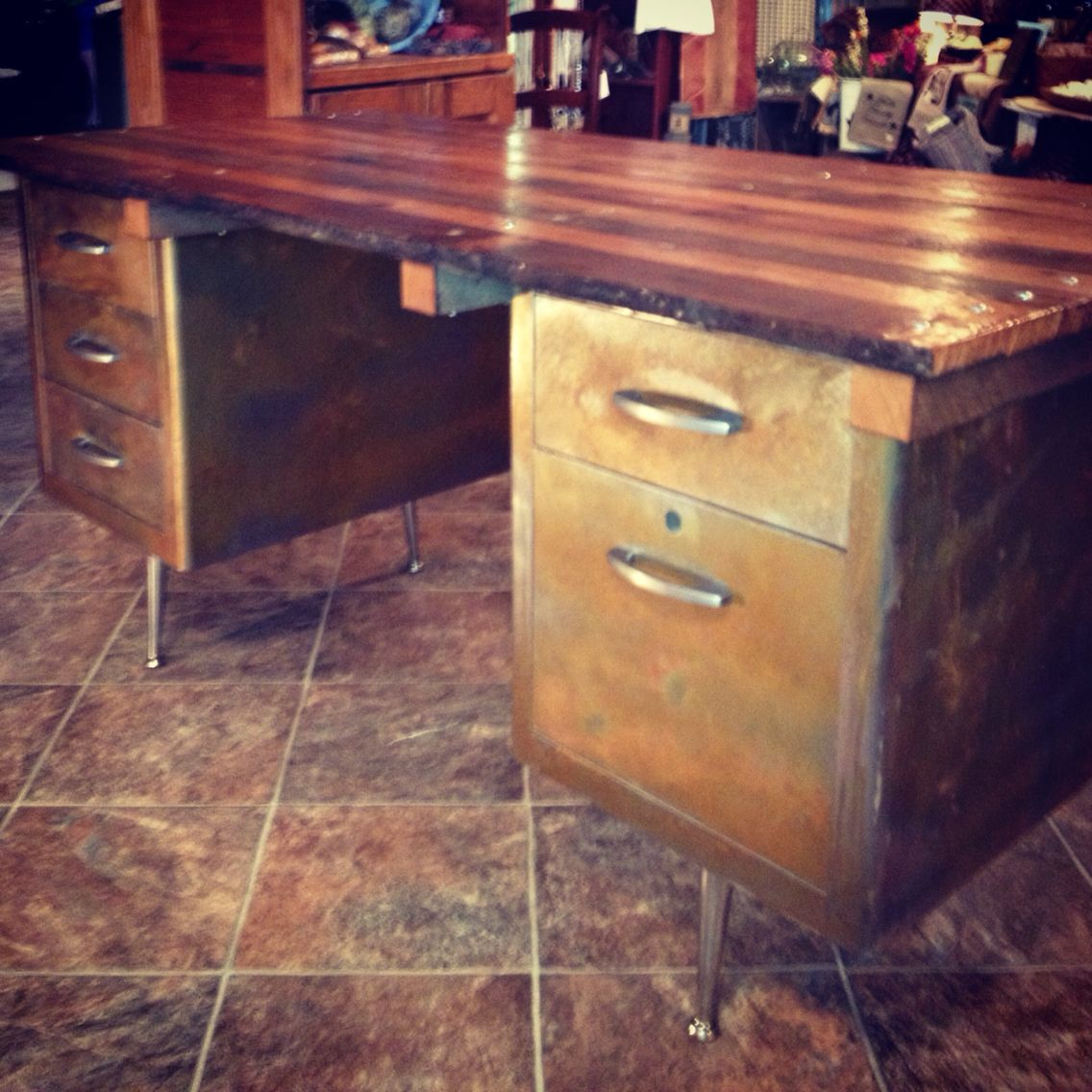 Tanker Deskflash Rusted With150 Yr Old Barn Wood Top