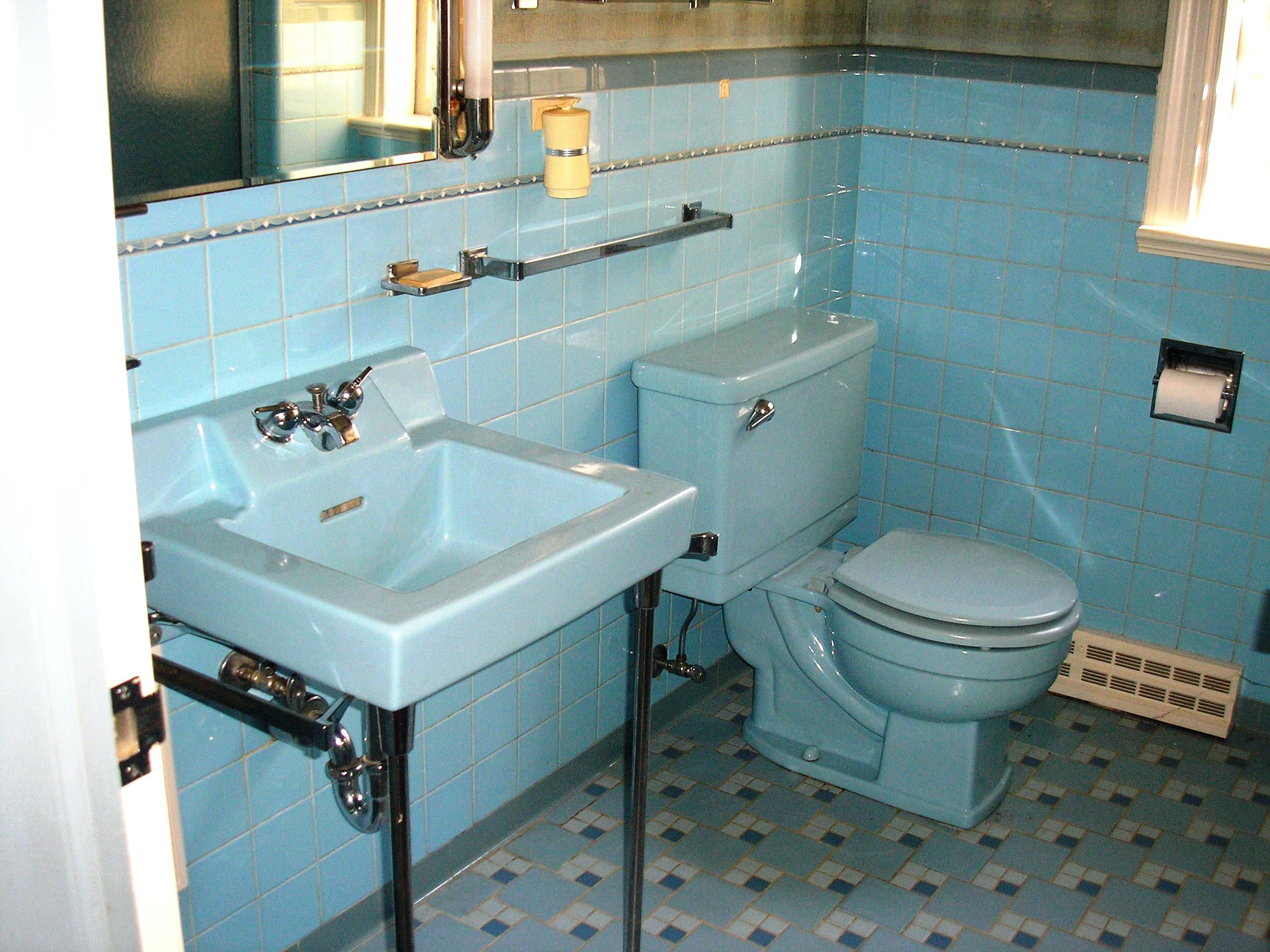 1950s Bathroom Replicating Alices Blue 50s Tile Floor Retro ...