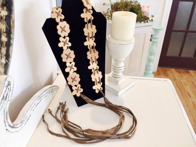 VTG Boho en bois ceinture, ceinture de fleurs en bois Hippie, Boho ceinture de perles en bois, frange de bois ceinture Boho, Boho ceinture, ceinture en macramé, ceinture en bois, ceinture hippie