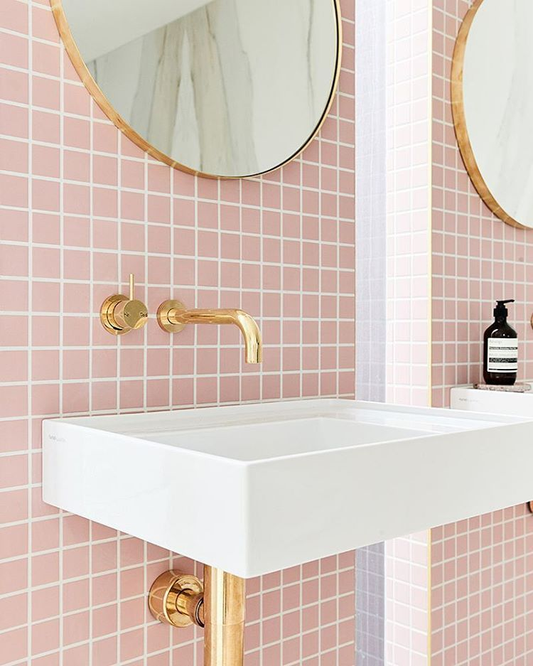 rosa fliesen pink tiles bathroom paradise badezimmer pinterest rosa fliesen fliesen. Black Bedroom Furniture Sets. Home Design Ideas