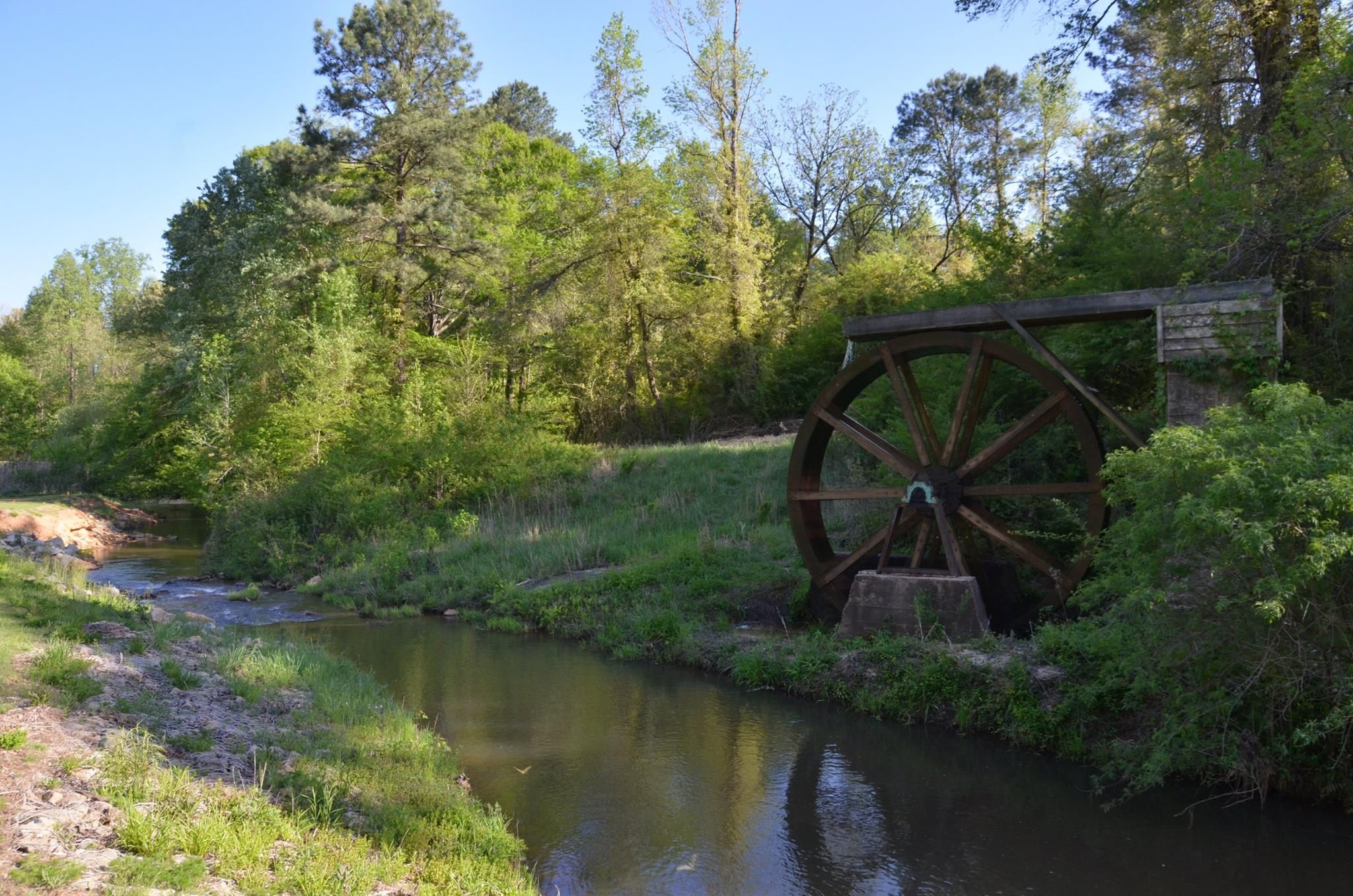 The Water Wheel At Hard Labor Creek Park Golf Course In Rutledge Ga Stay At The Brady Inn B B While You Explore Mad Swimming Holes Canoe And Kayak State Parks
