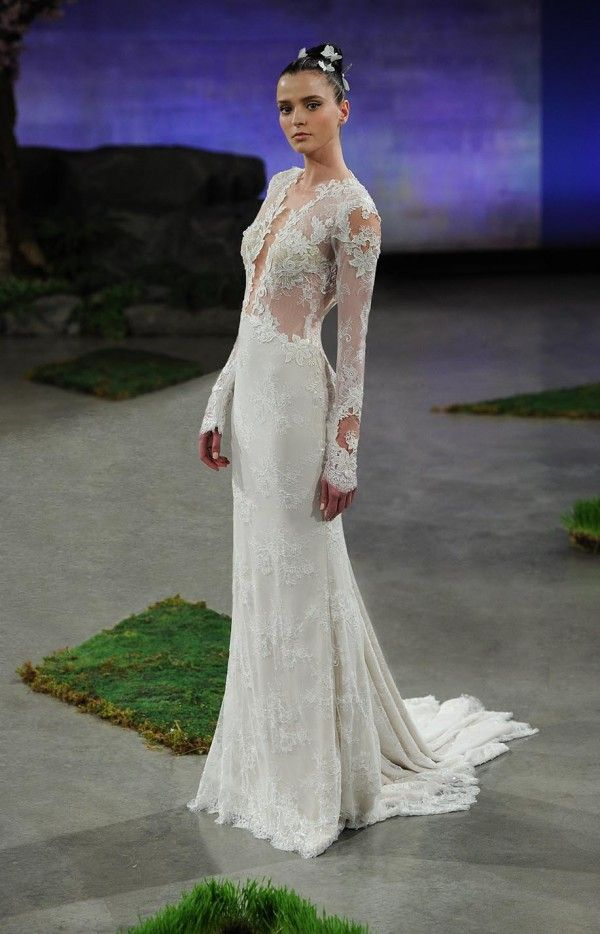 This Sexy And Modern Ines Di Santo Wedding Gown The Fitted Secy Lace Is