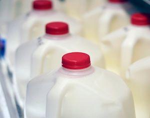 How To Keep Milk Fresh: Smart Storage