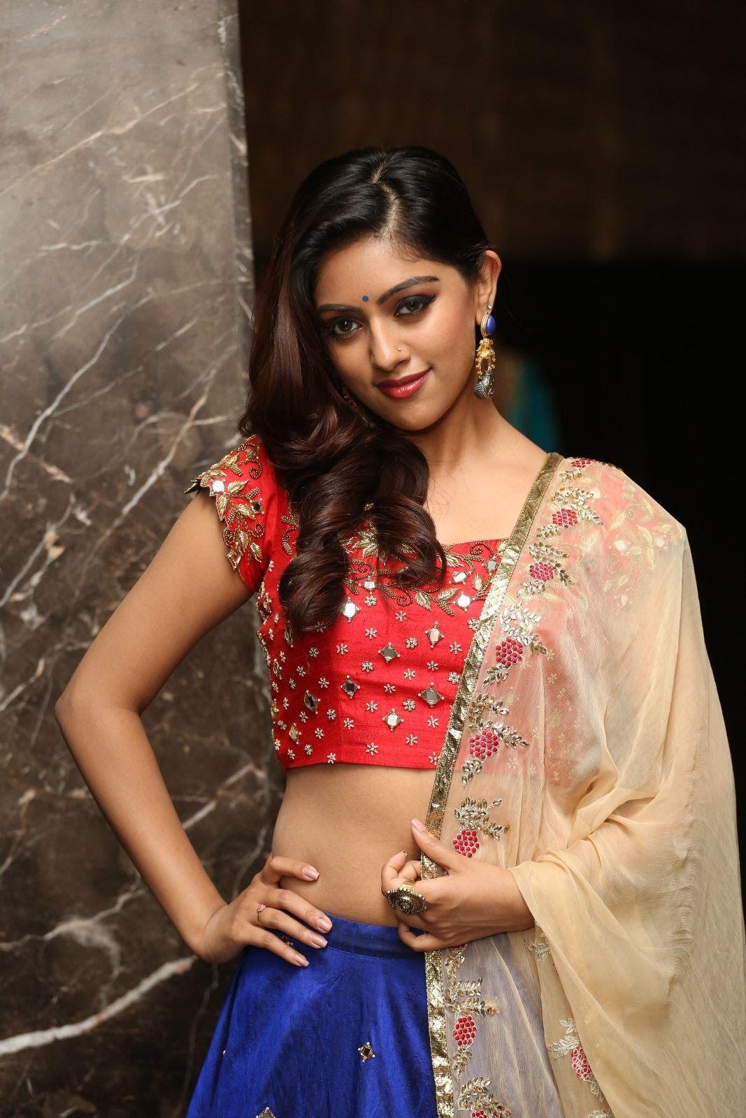 Anu Emmanuel Is An Indian Film Actress From Usa She Made Her Acting Debut As A Child Artist In The Malayalam Film Swa Anu Emmanuel Actresses Malayalam Actress