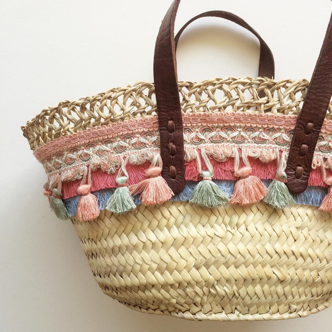 Consulta Esta Foto De Instagram De Ninabrocante 13 Me Gusta Bohemian Bags Handmade Bags Woven Handbags