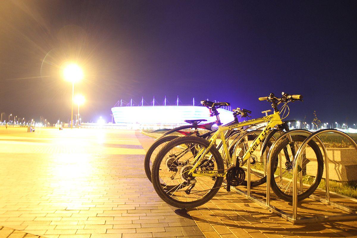 Вечерняя велопрогулка до стадиона через Рыбную деревню в октябре