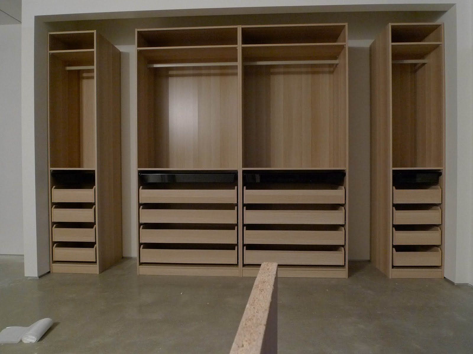 Closet Systems With Drawers