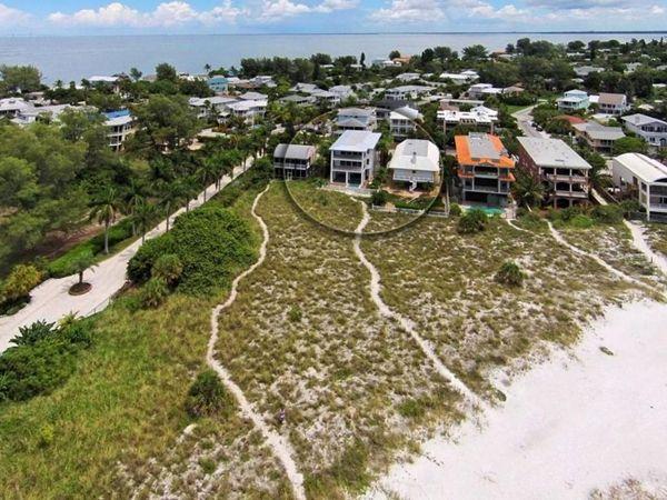 Beach House At Bean Point 807 N Shore Drive Anna Maria Island Florida Anna Maria Island Rentals Anna Maria Island Anna Maria Rentals