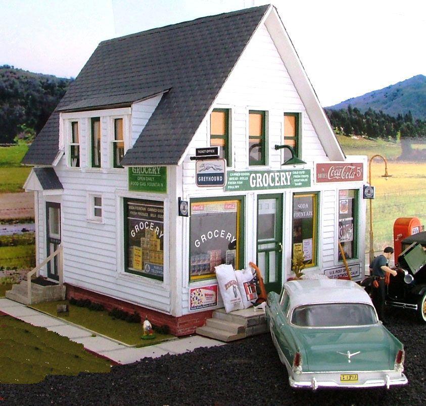 1956 Rural Grocery Store; 124 scale diorama scratchbuilt