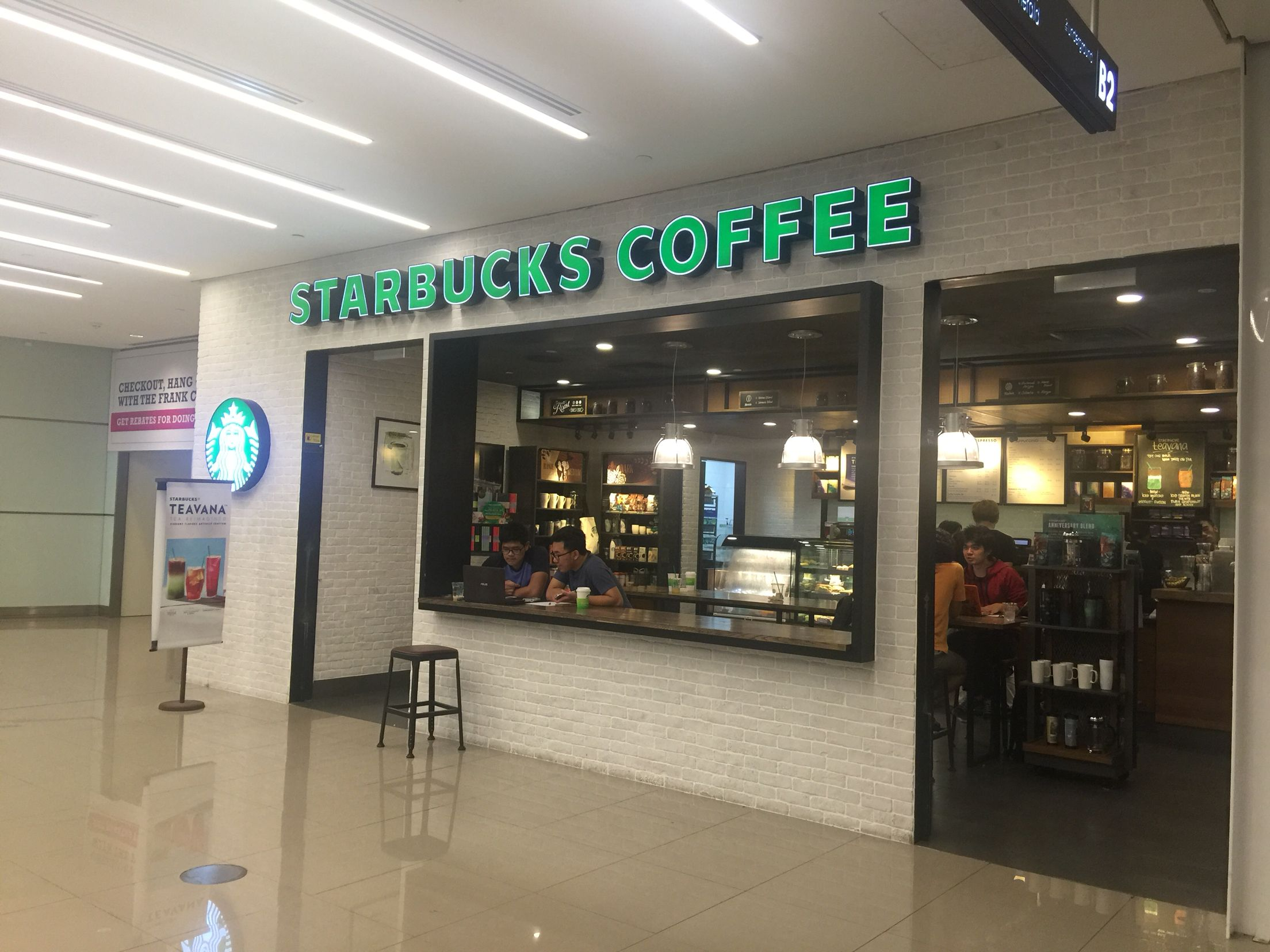 Starbucks At Orchard Gateway Mall In Singapore Starbucks Outlets Starbucks Teavana