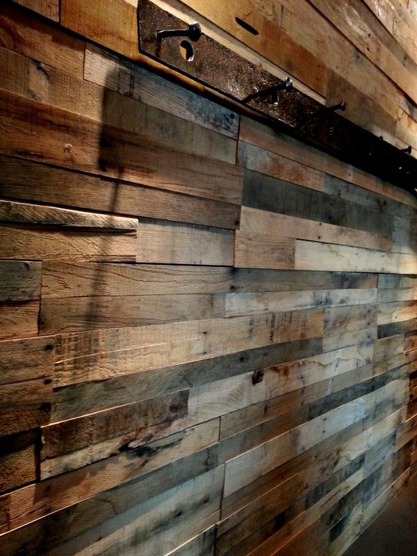 Use reclaimed wood to dress a wall