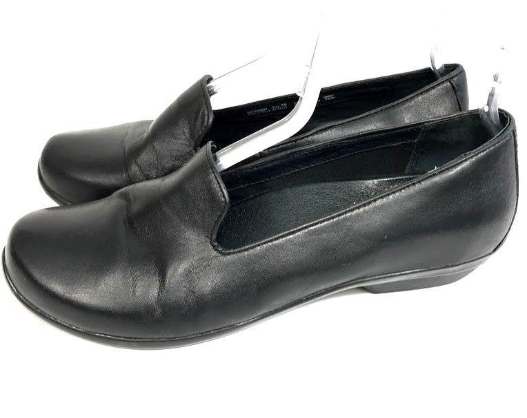 561979cf4a6 Dansko Olivia Womens Loafer Shoes Black Leather Slip On Sz 39 US 8.5 - 9  Comfort  Dansko  Loafers