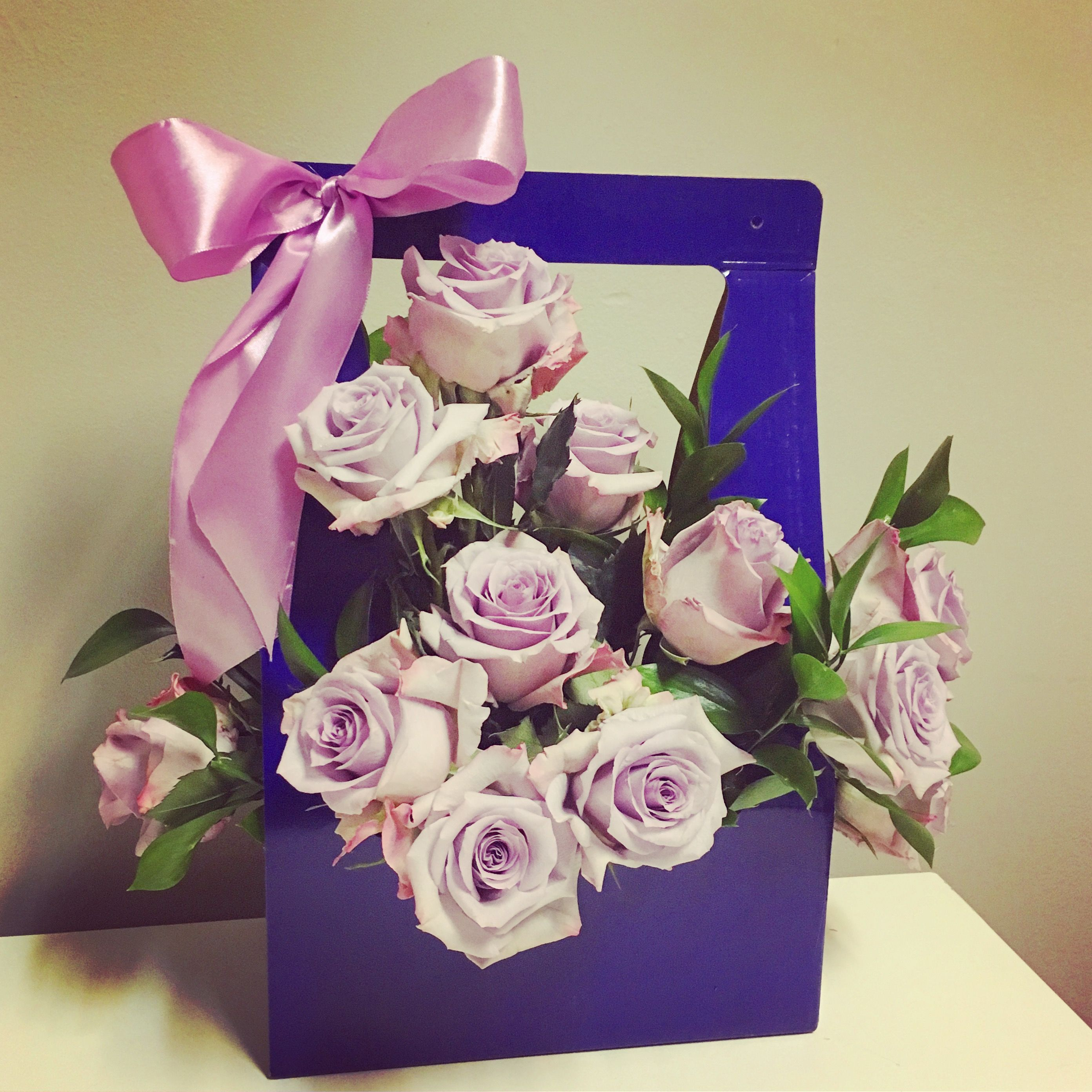 Roses In A Box Flowers In A Box Chicago Flowers Delivery Chicago Www Flowersbygeo Com Valentines Flower Delivery Flower Delivery Chicago Best Flower Delivery