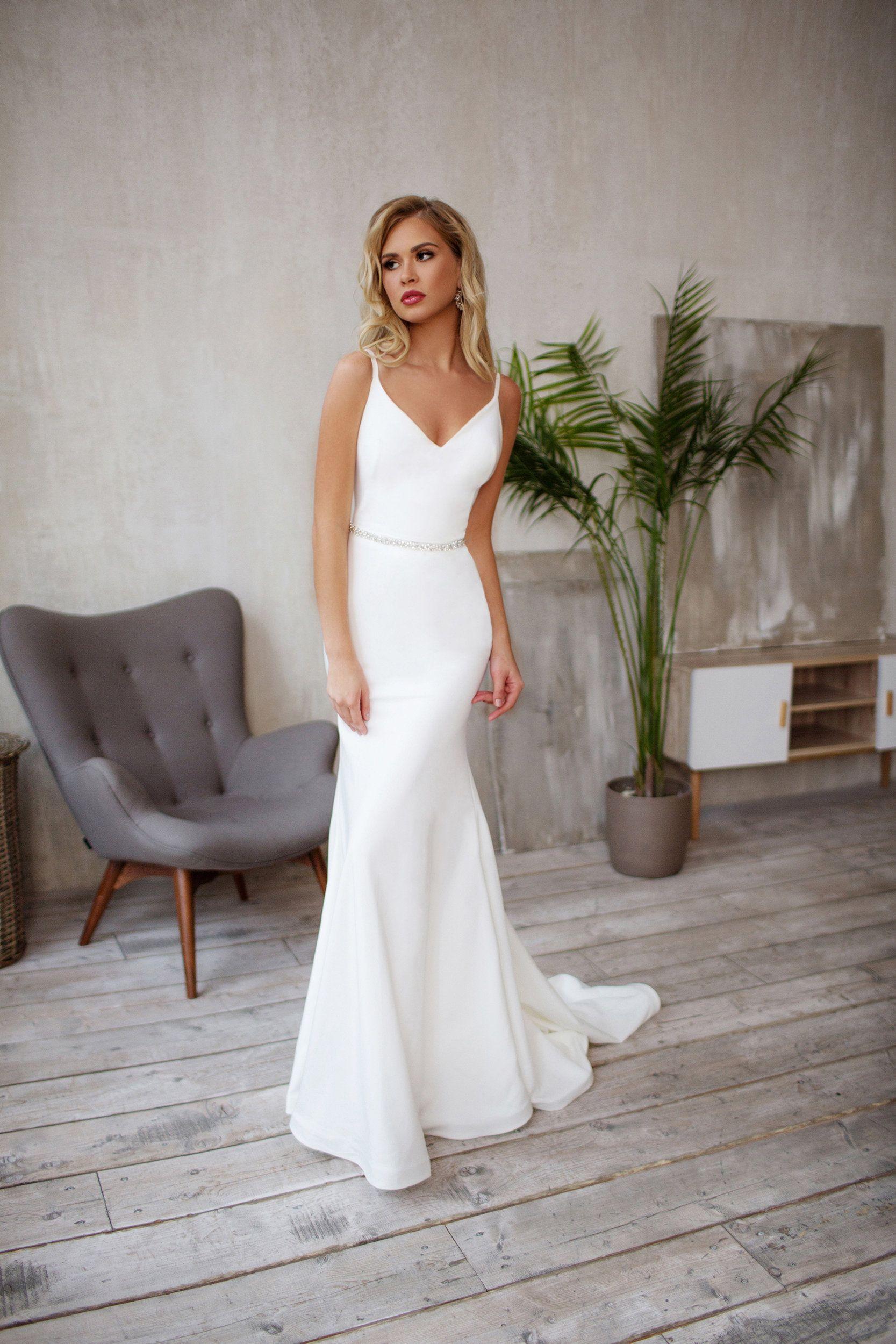 Tight wedding dress, Crepe Sleek silhouette, Minimalist bridal gown GEORGiE