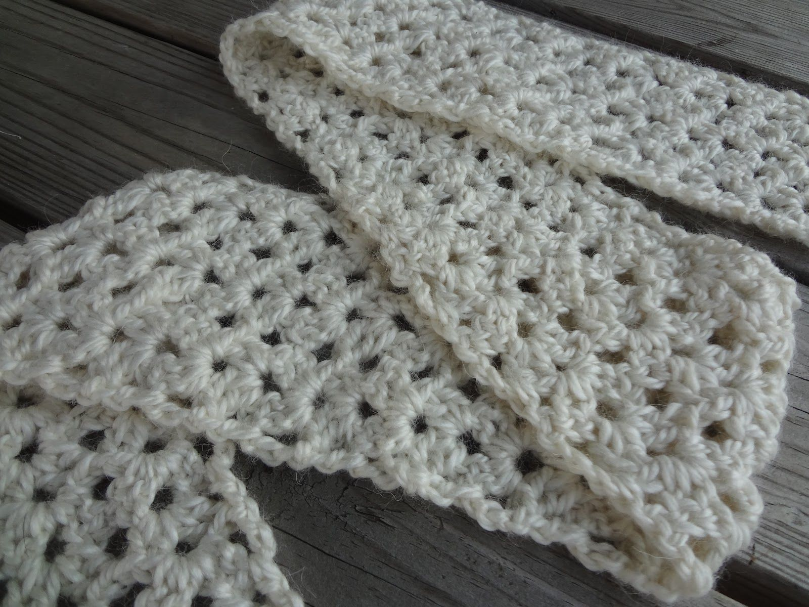 Quick n very easy scarf pattern very much like the one i make all vanilla bean scarf by jennifer dickerson the vanilla bean scarf is a chunky lofty and easy to crochet scarf using a vari dt1010fo