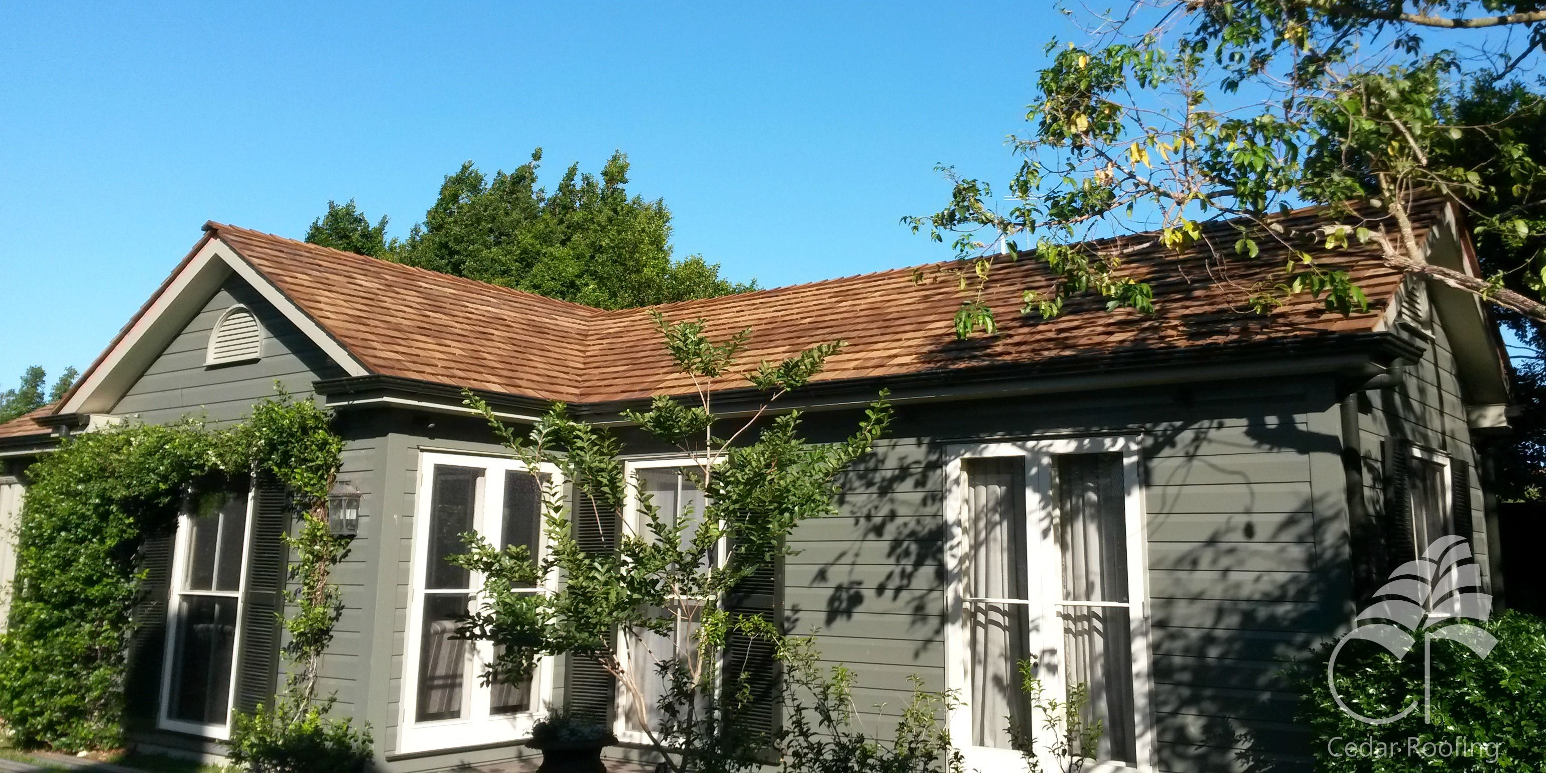 Best Cedar Roofing Installed This New Western Red Cedar Roof On 400 x 300