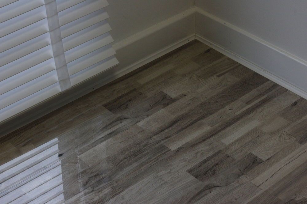 Super High Gloss Laminate Flooring
