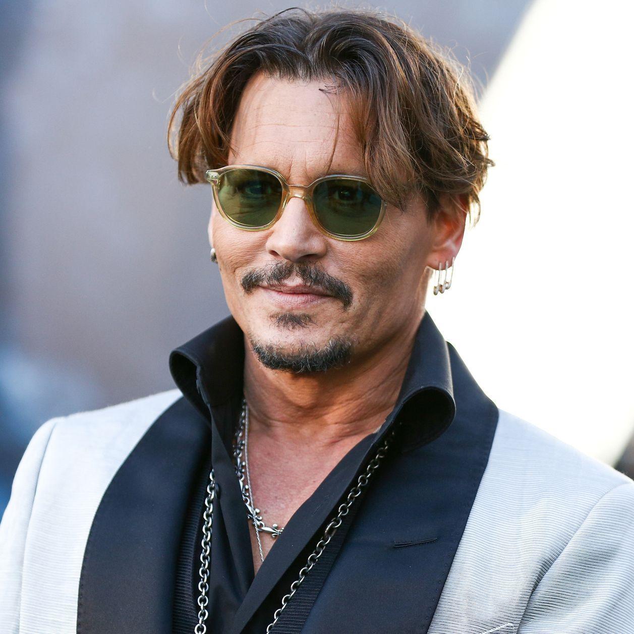 Johnny Depp Liebschaft Mit Uschi Glas Stieftochter In 2020 Johnny Depp Deutsche Schauspieler Stieftochter