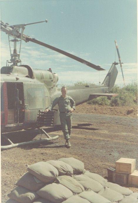 Bell UH-1B Huey gunship. #VietnamWarMemories https://www.pinterest.com/jr88rules/vietnam-war-memories-2/