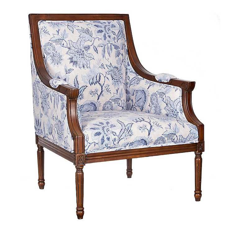 10 Stunning Traditional Chairs For Living Room