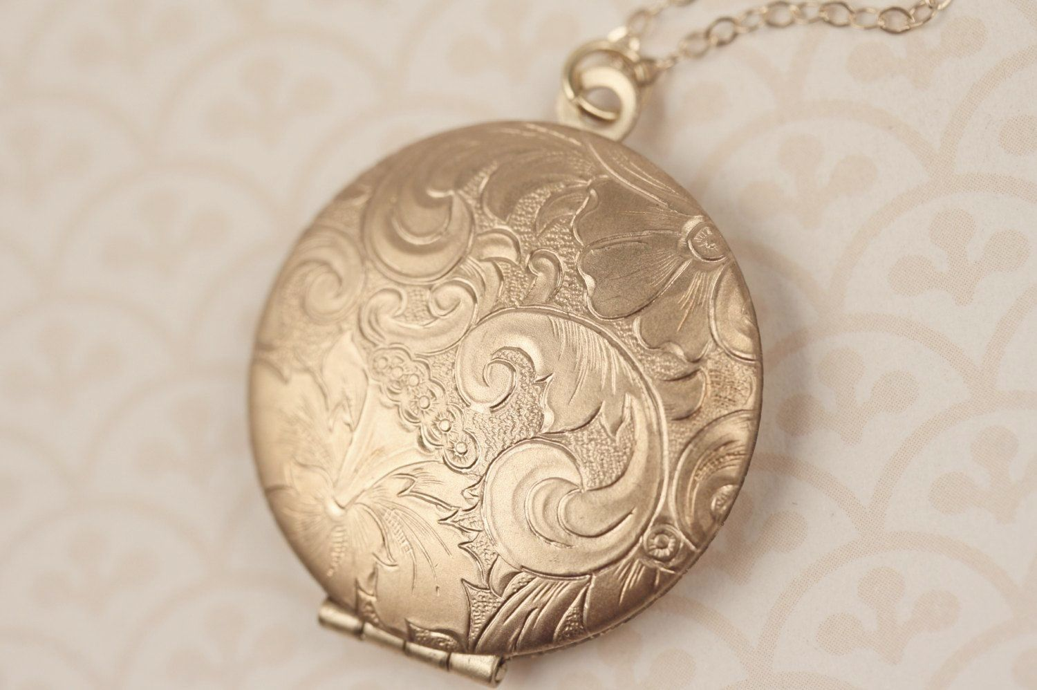 Incredible ue silver locket pendant necklace visit jeweliy