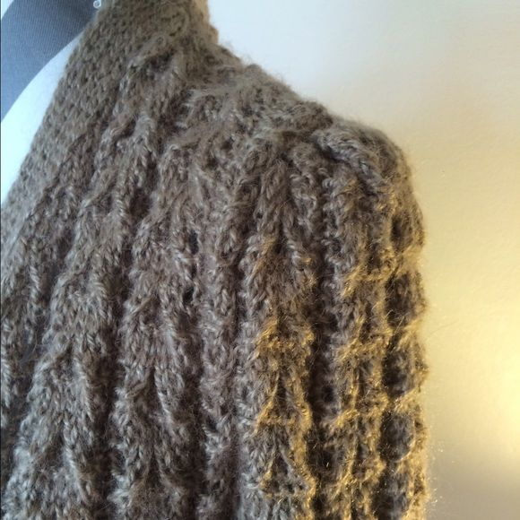 Tan Wool Hand Knit Cardigan Size L This hand knit Cardigan has a nice weight to it (medium to heavy) for the winter months. This piece is sure to keep you warm while looking your best. The neutral color make diy the perfect addition to any outfit. Sweaters Cardigans