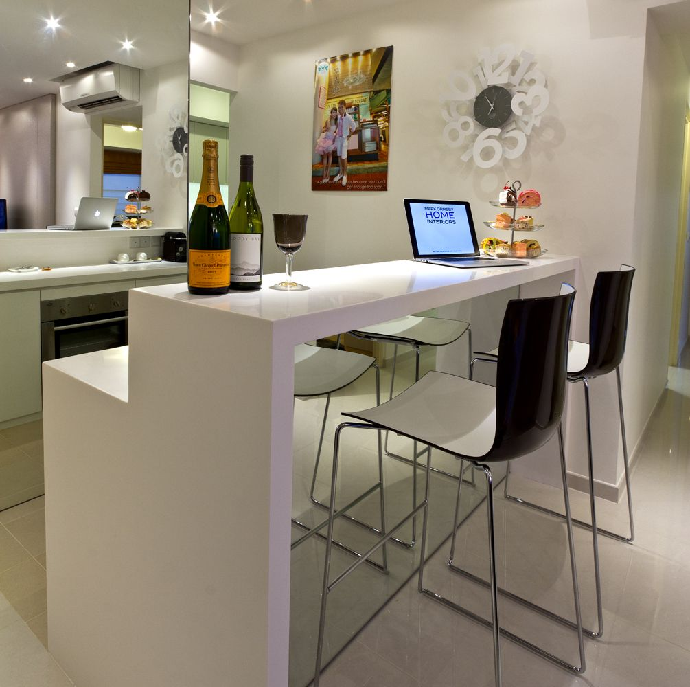 Mirror enlarge the small bar space residence city view hdb interior design singapore - Home bar counter design photo ...