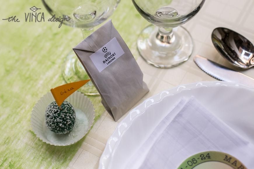 Vinca Design Football Inspired Wedding Seating Card Favor Focis Esküvő