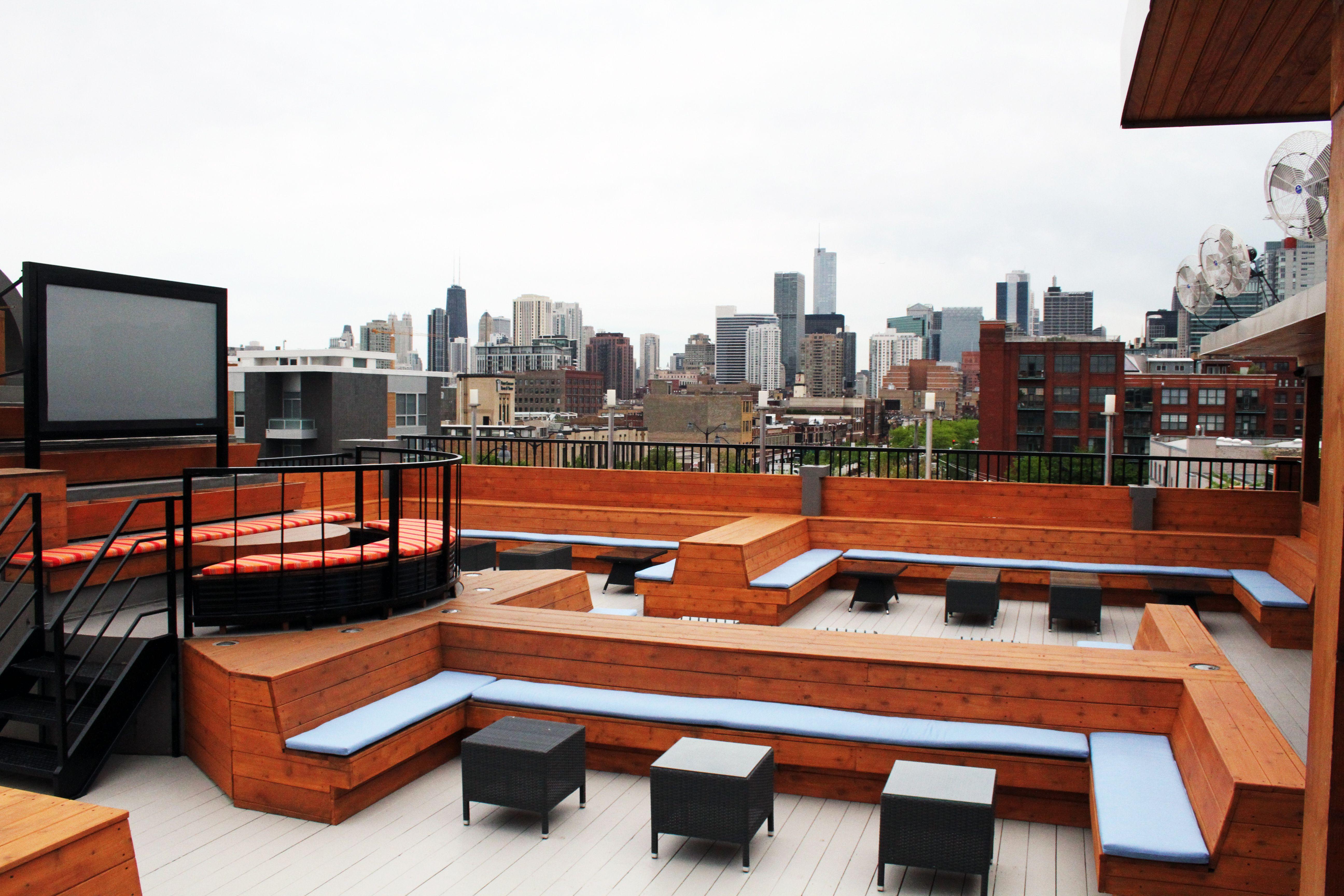 Big Screen On Roof Roofing Backyard Rooftop Bar