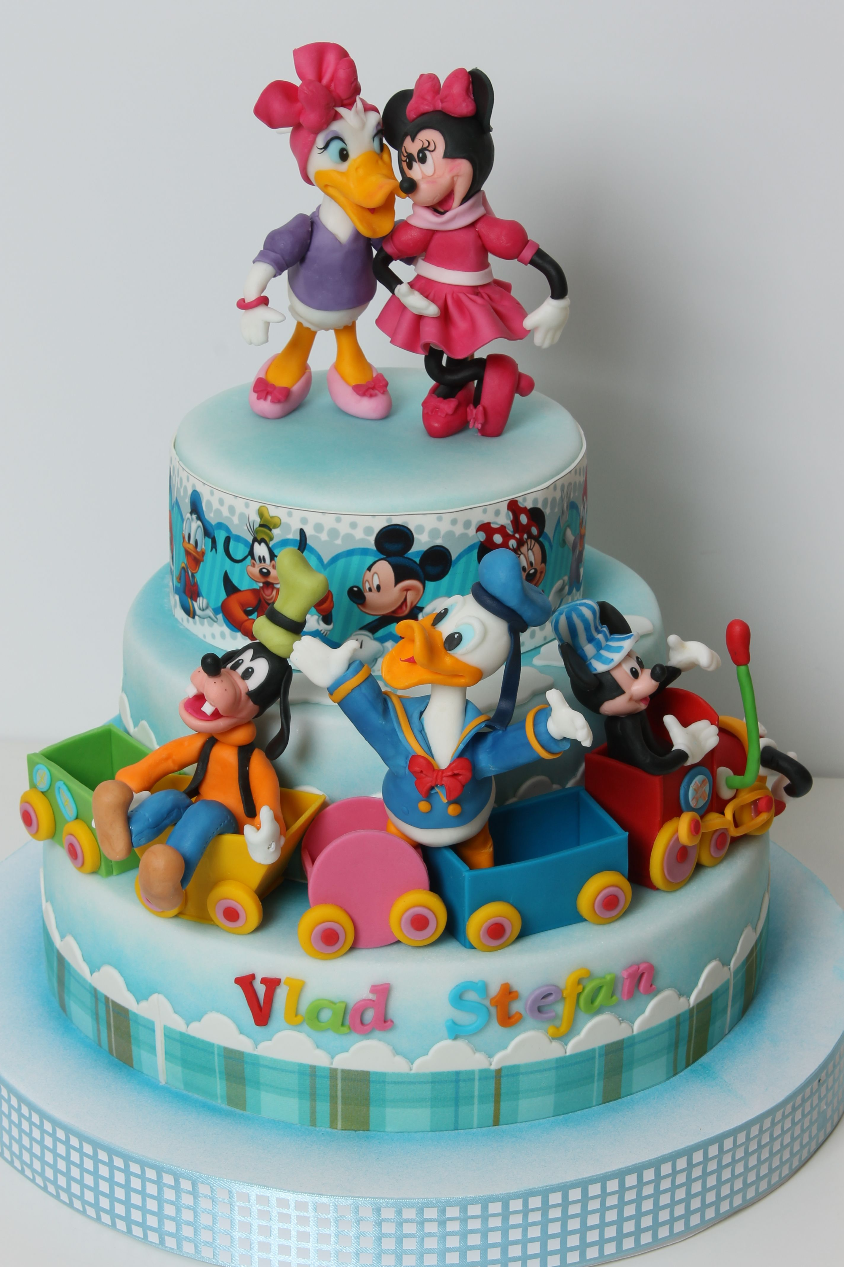 Outstanding Torturi Vioricas Cakes Bolo Minnie Bolo Bolos Infantis Personalised Birthday Cards Veneteletsinfo