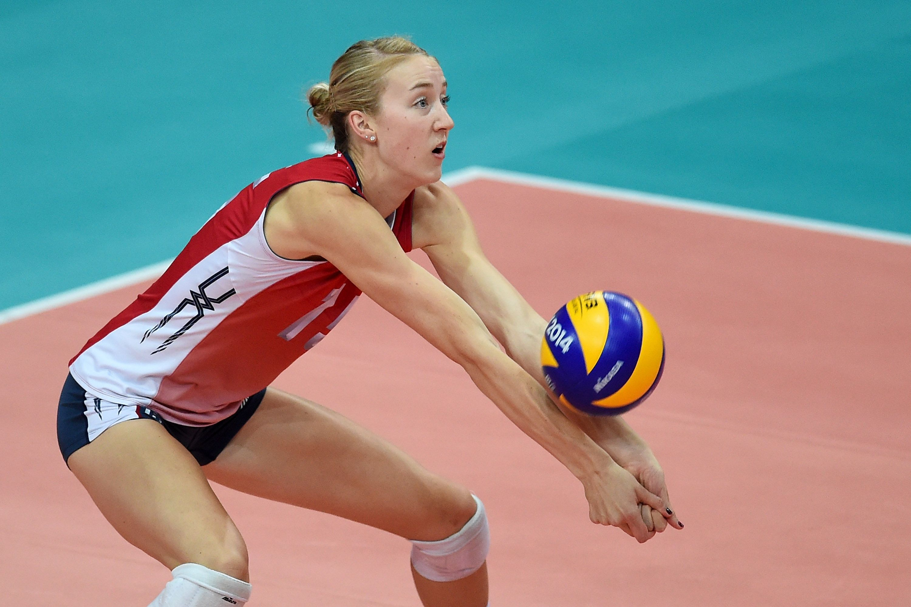 Q A With Team Usa S Kim Hill Offthecourt Volleyball Read Here Http Www Teamusa Org Usa Volleyb Usa Volleyball Female Volleyball Players Sport Volleyball