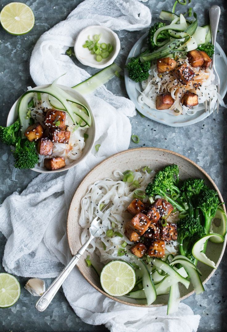VEGAN GLUTEN-FREE TOFU TERIYAKI WITH RICE NOODLES FOR THE