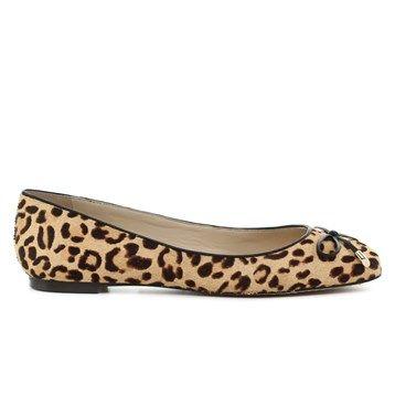 95be3784a3d 15 ζευγάρια φλατ παπούτσια που θα φορέσεις αυτή την εποχή - JoyTV
