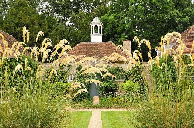 Haseley Court Oxfordshire Beautiful Gardens Garden Architecture Mountain Home Exterior