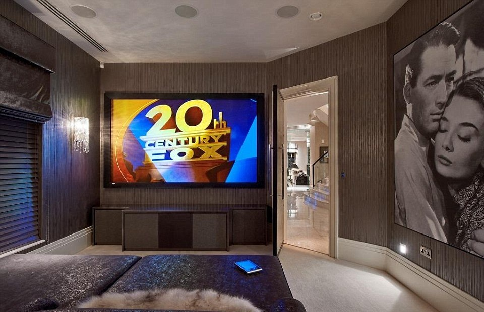 How To Convert A Small Bedroom Into Media Room Small Media Rooms