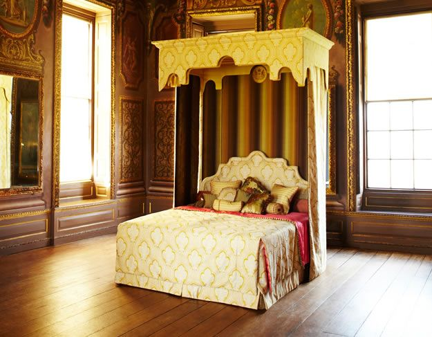 Royal State Bed