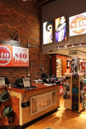 10 Boutique Inexpensive Nashville Souvenirs Everything Is 10 Bucks Clothes Jewelry Ect