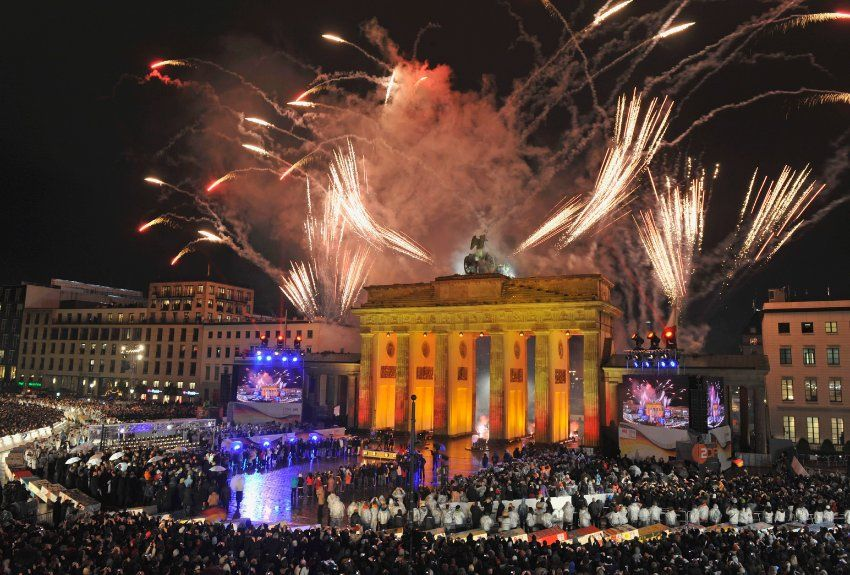 Berlin hosts one of the largest New Year's Eve fêtes in Europe, with more than a million visitors forming the Party Mile near the Brandenburg Gate. Freezing temperatures require a substantial amount of Champagne and dancing to stay warm while watching the city's massive fireworks and laser shows.