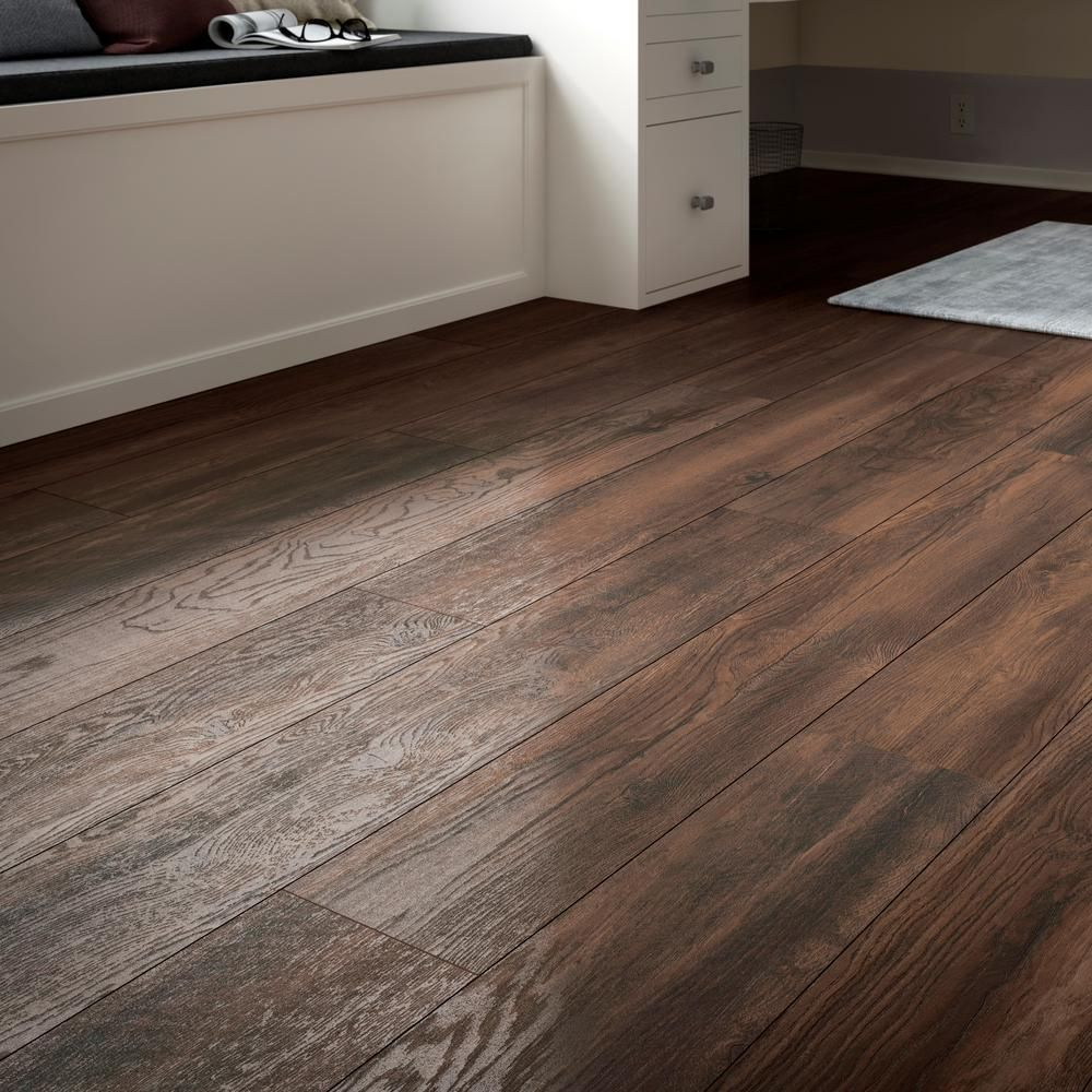 Home Decorators Collection Mesa Oak 12mm Thick X 7 7 16 In Wide X 50 5 8 In Length Laminate Flooring 582 4 Sq Flooring Oak Laminate Flooring House Flooring