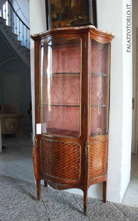 Bois De Rose Arredo Bagno.Vetrina Bombata Ad Un Anta Intarsiata In Bois De Rose Antiquariato Su Anticoantico Piano In Marmo Arredamento Bagno Arredamento