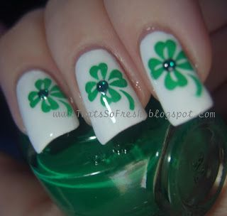 I Like The Four Leaf Clover Design But Maybe Only On One Nail