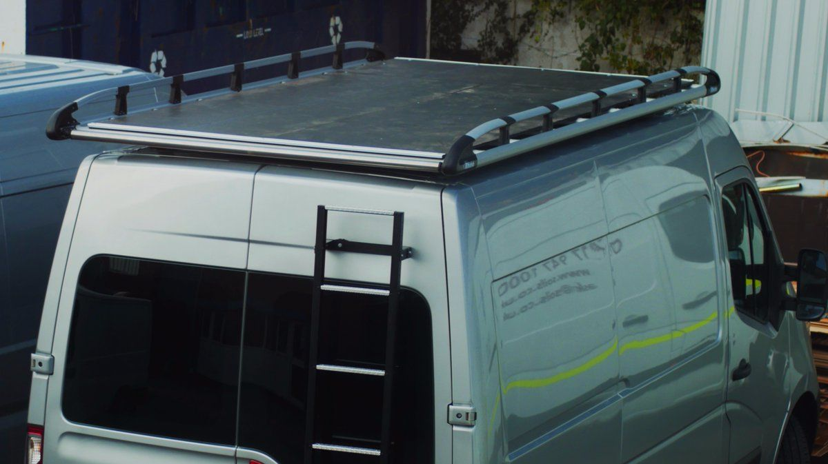 Aluminium Rack With A Walkway Fitted Onto This Renault Master Roofrack Walkway Ladder Rhino Roof Racks Roof Rack Renault Master
