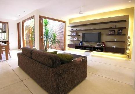 Spacious Long Living Space Unusual Interior Design