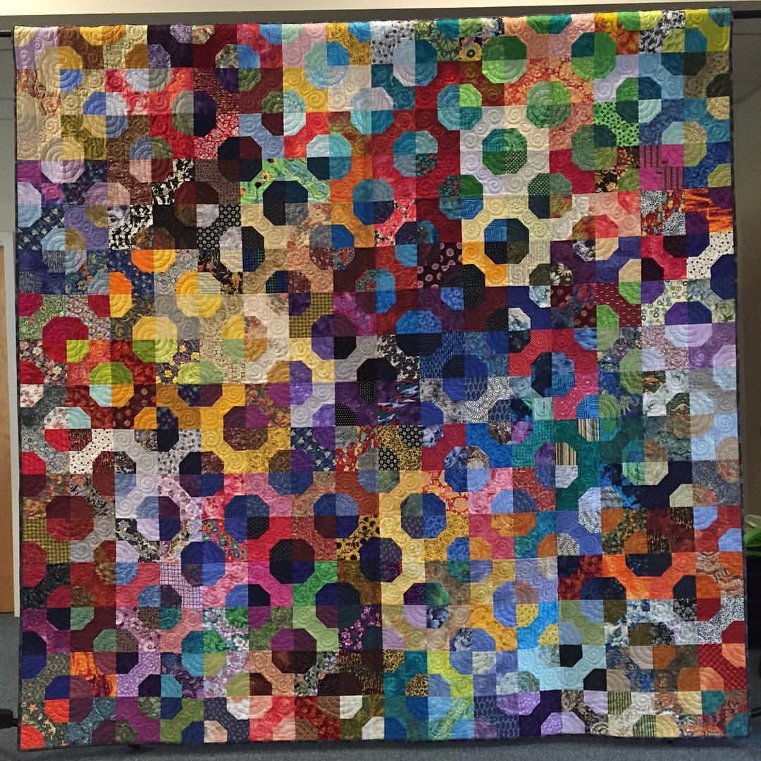 Httpsinstagrampbk 00oihhpo scrap pinterest scrap merrimack valley quilters bow tie quilt apparently machine quilted spirals in the bow tie sections id have to do something different with my ccuart Image collections