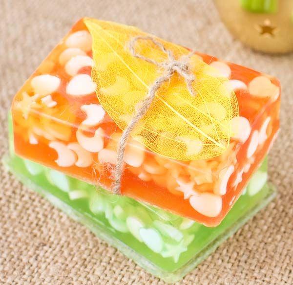 Jabon base cristal con inclusion jabones jab n de - Hacer jabones de glicerina decorativos ...