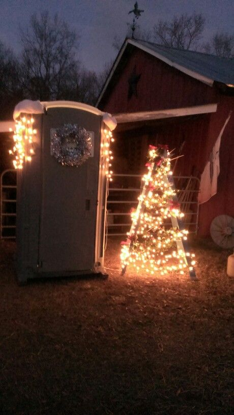My Redneck outhouse and ladder tree attempt Christmas Outdoor
