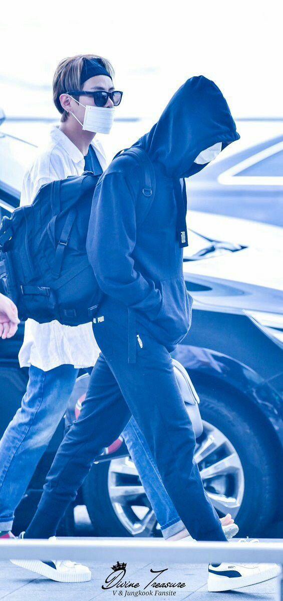 Jungkook and V~ Taekook!❤ BTS At Incheon Airport! (170513) #BTS #방탄소년단