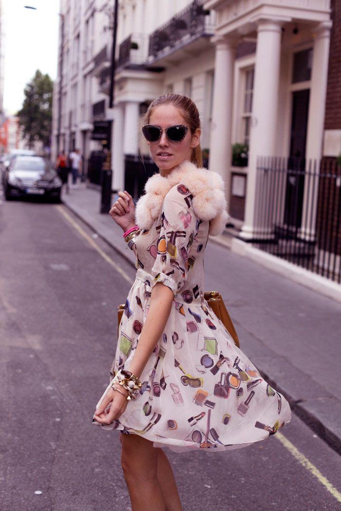 65c5e6e192 VALENTINO PUMPS MOSCHINO CHEAP DRESS PRADA BAG MIU MIU SUNGLASSES Wholesale  Designer Handbags